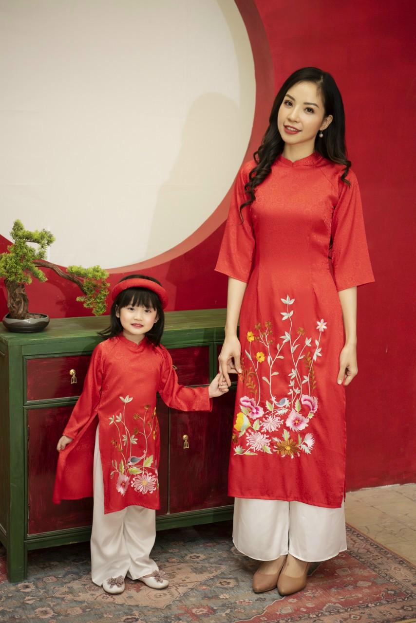 áo dài cách tân nữ màu đỏ