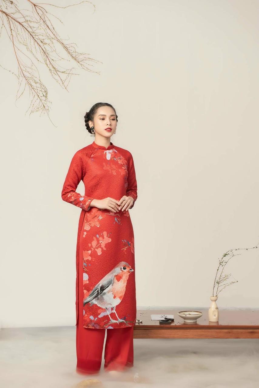 áo dài cách tân màu đỏ