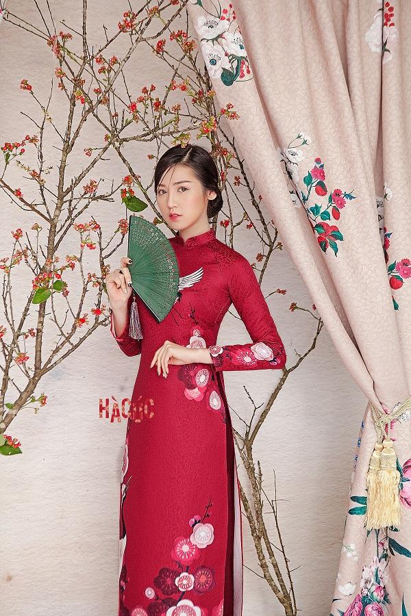 áo dài đỏ