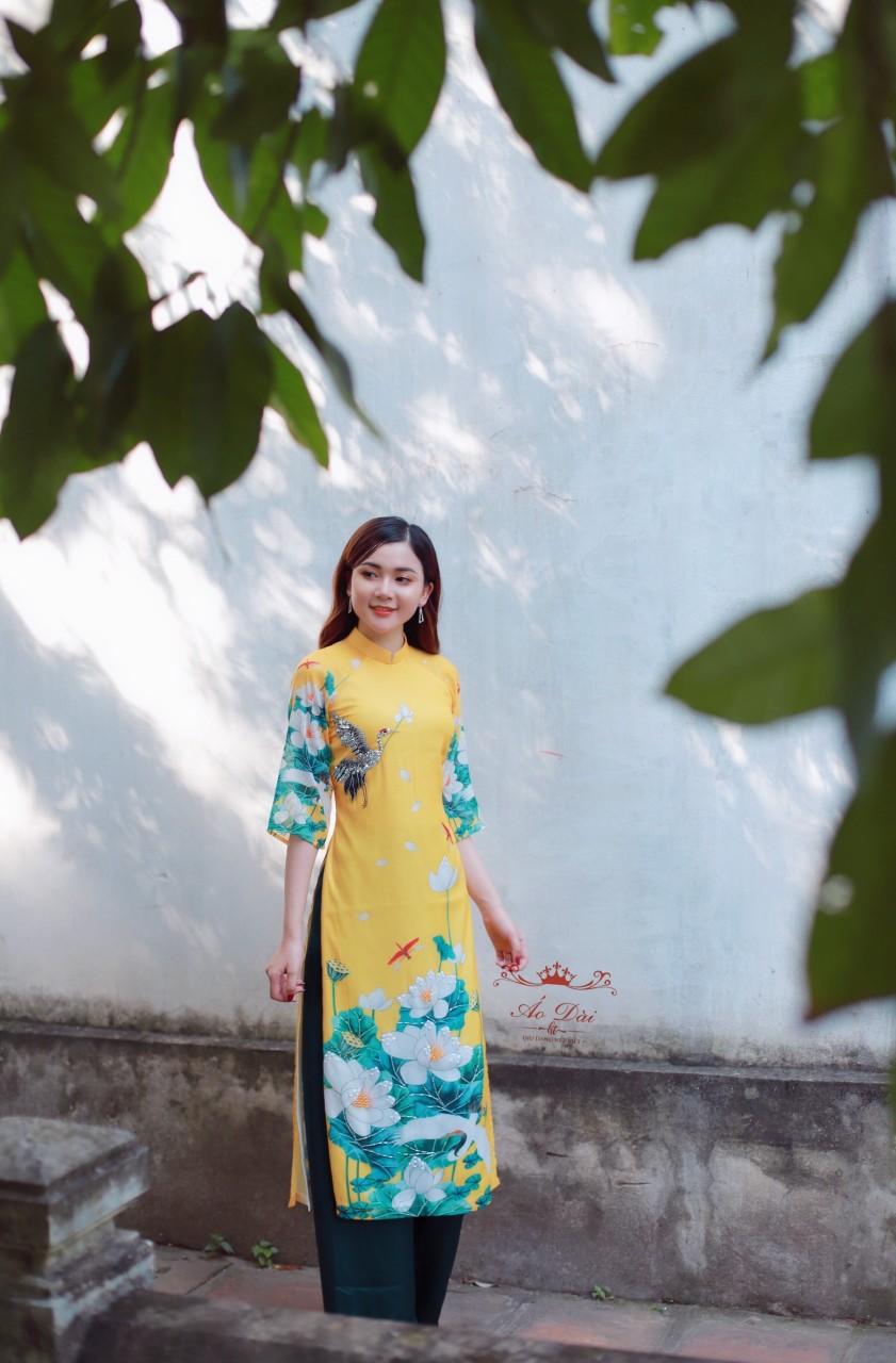 áo dài hoa sen cách điệu