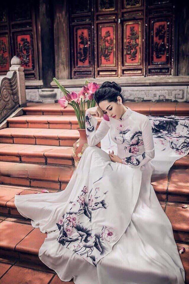 Áo dài hoa sen màu xám hồng 1