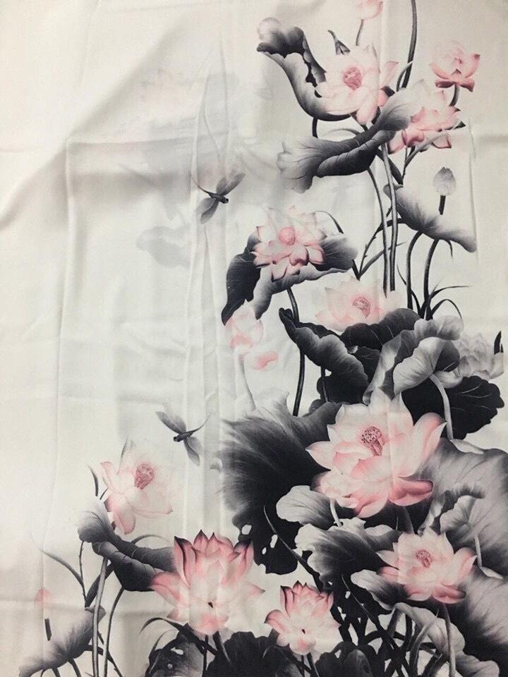 Áo dài hoa sen màu xám hồng