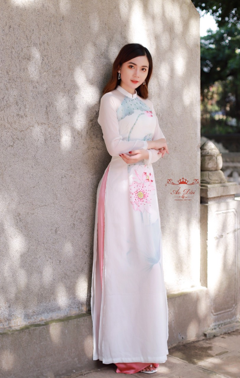 áo dài thêu hoa sen đẹp