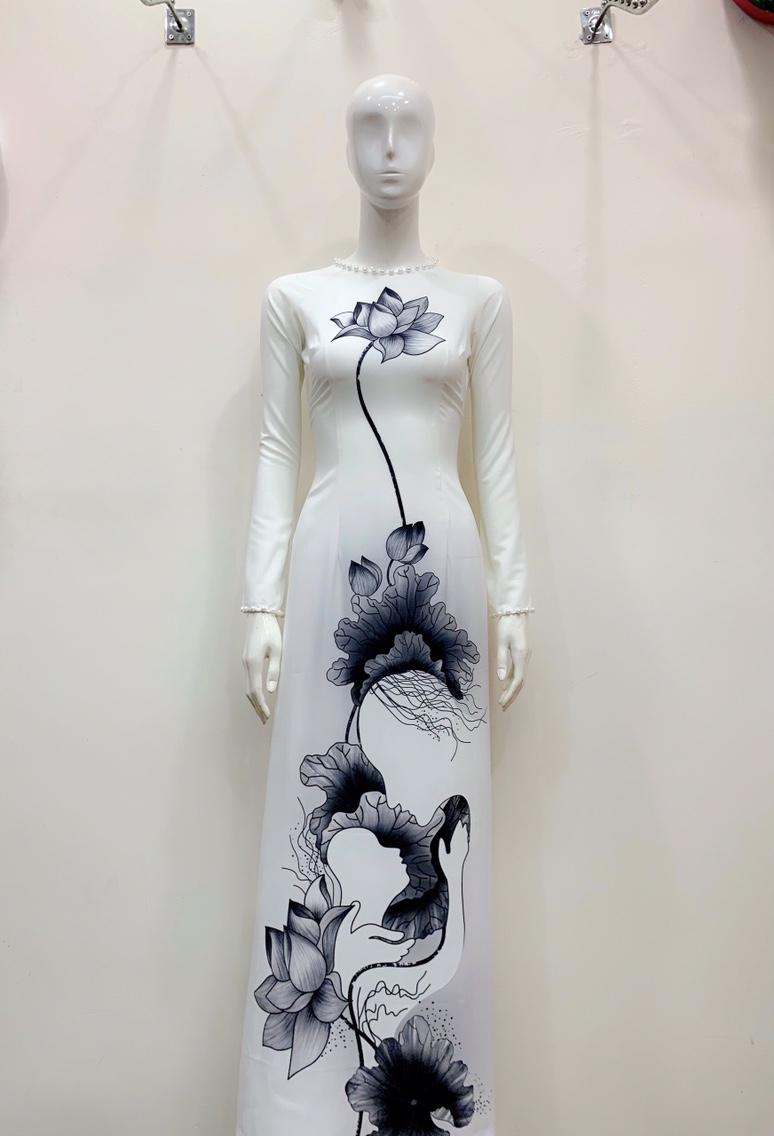 Áo dài trắng hình hoa sen